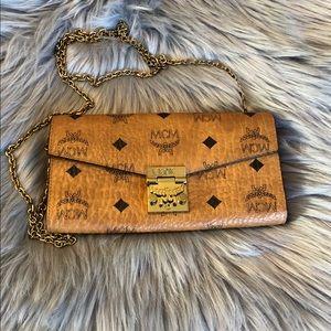 MCM Patricia Visetos Two-fold Chain wallet Cognac